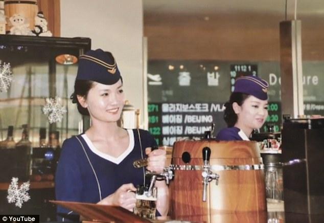 Những hình ảnh không ngờ tới về vẻ ngoài xinh đẹp của nữ tiếp viên hàng không Triều Tiên - Ảnh 4.