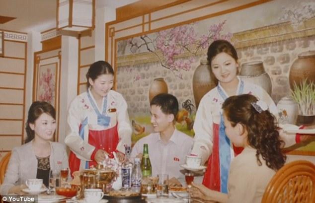 Những hình ảnh không ngờ tới về vẻ ngoài xinh đẹp của nữ tiếp viên hàng không Triều Tiên - Ảnh 6.