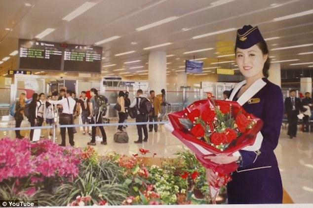 Những hình ảnh không ngờ tới về vẻ ngoài xinh đẹp của nữ tiếp viên hàng không Triều Tiên - Ảnh 7.