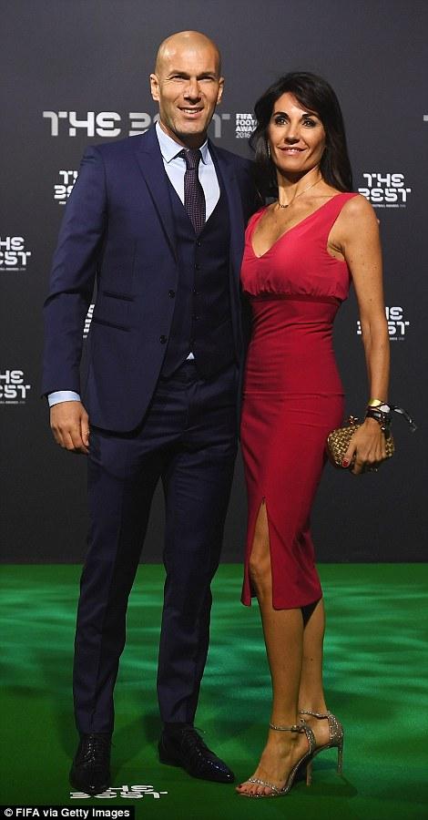Bạn gái Ronaldo đánh bật nhan sắc sao Hollywood tại Gala FIFA - Ảnh 8.