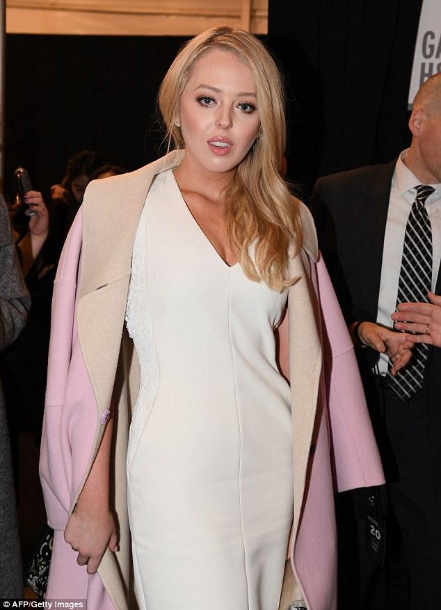 Con gái út nhà Tổng thống Donald Trump ăn diện lộng lẫy tham dự tuần lễ thời trang New York - Ảnh minh hoạ 9