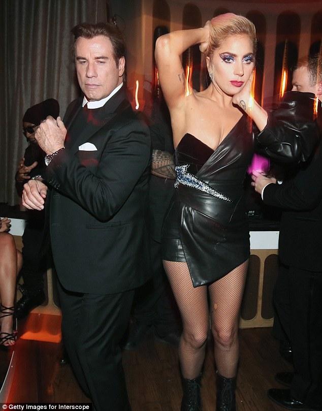 Thảm đỏ hậu Grammy: Charli XCX diện váy hình body độc đáo, đọ với vòng 1 của Katy Perry - Ảnh minh hoạ 7