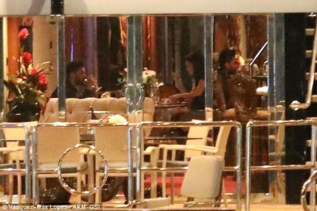 Selena Gomez tổ chức sinh nhật 680 triệu VND cho The Weeknd - Ảnh 7.