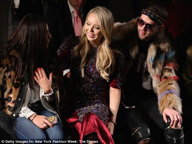 Con gái út nhà Tổng thống Donald Trump ăn diện lộng lẫy tham dự tuần lễ thời trang New York - Ảnh minh hoạ 3