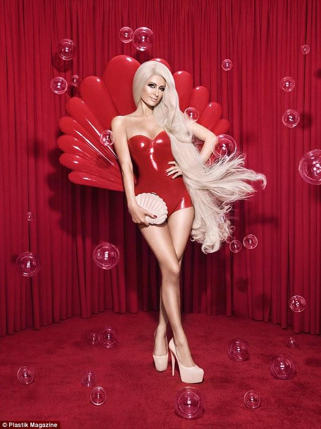 Hết thời thì đã sao? Paris Hilton vẫn sang chảnh và quyến rũ như búp bê Barbie - Ảnh 2.