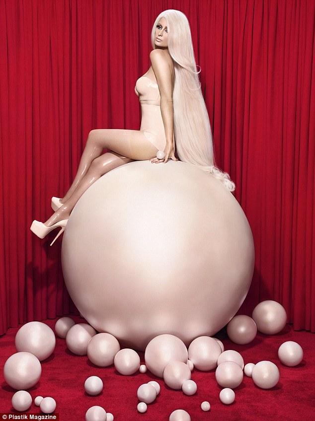 Hết thời thì đã sao? Paris Hilton vẫn sang chảnh và quyến rũ như búp bê Barbie - Ảnh 7.