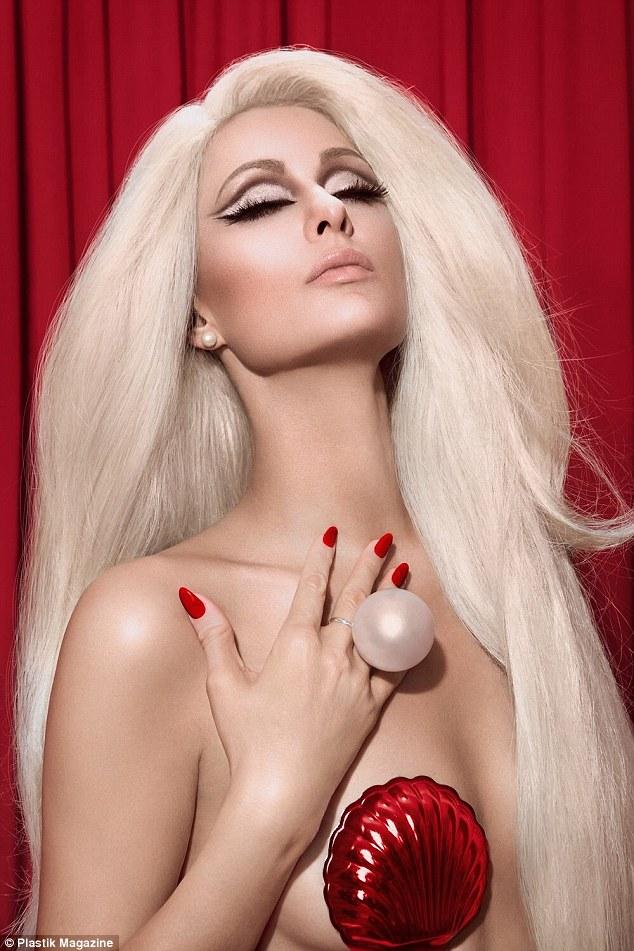 Hết thời thì đã sao? Paris Hilton vẫn sang chảnh và quyến rũ như búp bê Barbie - Ảnh 1.