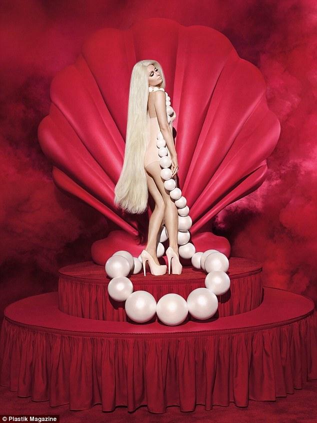 Hết thời thì đã sao? Paris Hilton vẫn sang chảnh và quyến rũ như búp bê Barbie - Ảnh 3.