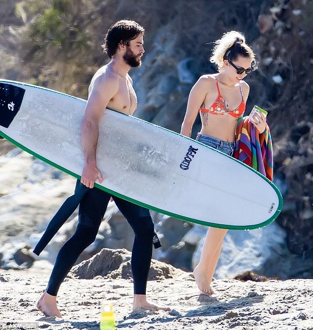 Đã hạnh phúc đáng ghen tị, Miley Cyrus - Liam Hemsworth còn có thân hình sexy cả đôi - Ảnh 6.