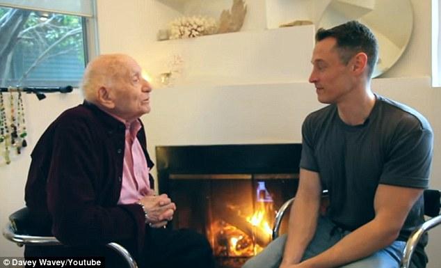 Xúc động câu chuyện come out của cụ ông 95 tuổi: Tôi biết mình đồng tính từ khi mới 5 tuổi - Ảnh 1.