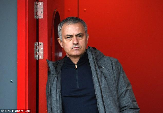 Chốt lịch derby Manchester: Man Utd đối diện lịch đấu khủng khiếp - Ảnh 1.