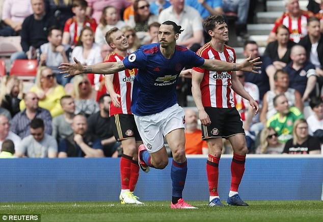 Ibrahimovic, Kante vào danh sách rút gọn Cầu thủ hay nhất Ngoại hạng Anh - Ảnh 5.