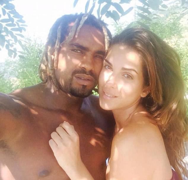 Thí sinh Hoa hậu Ý xinh đẹp bị biến dạng mặt vì bạn trai cũ tạt axit - Ảnh 2.