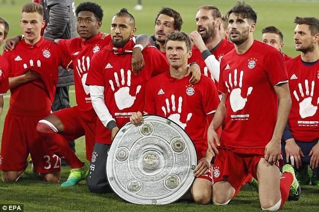 Bayern lập chiến tích lịch sử, lần thứ 5 liên tiếp giành Đĩa bạc Bundesliga - Ảnh 8.