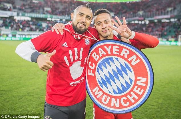 Bayern lập chiến tích lịch sử, lần thứ 5 liên tiếp giành Đĩa bạc Bundesliga - Ảnh 10.