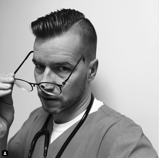 Người mẫu, diễn viên đẹp trai đã là gì; giờ mốt phải là nam bác sĩ, y tá đẹp đến rụng rời - Ảnh 19.