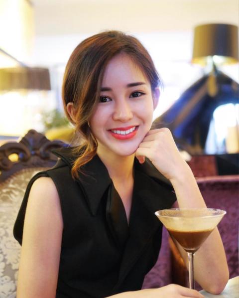 Hot girl số 1 Malaysia có khác, ăn gì mà mặt xinh - dáng chuẩn quá trời! - Ảnh 9.