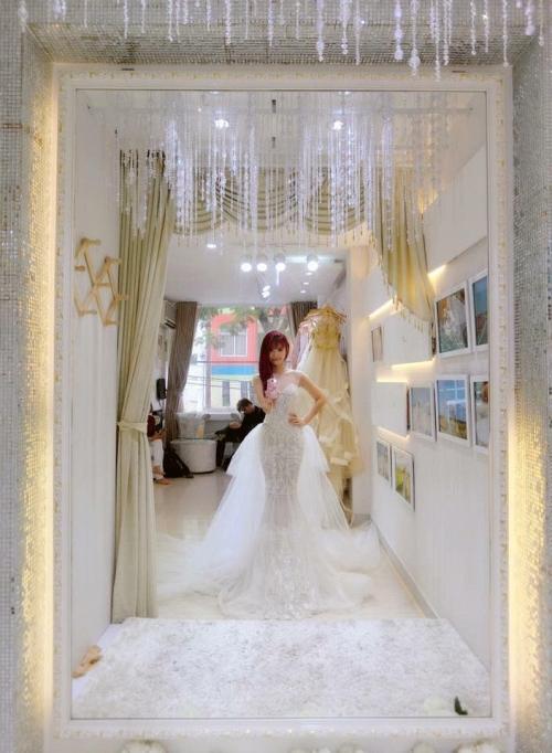 Khởi My được khen hết lời khi diện bộ váy cưới đính 8000 viên pha lê - Ảnh 7.
