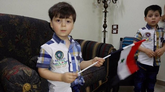 """Cậu bé """"biểu tượng chiến tranh Syria"""" sau một năm như thế nào? - Ảnh 2"""