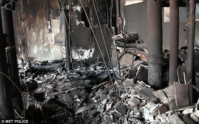 Hình ảnh các vật dụng bên trong tòa chung cư ở London biến dạng, cháy đen thành tro - Ảnh 5