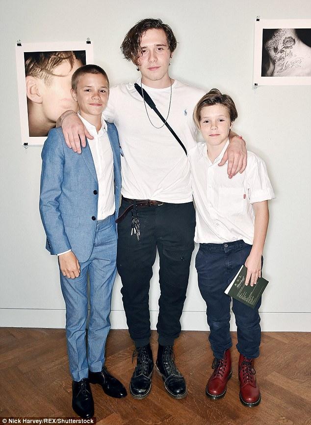 3 quý tử nhà Beckham ngày càng khôn lớn, nhưng ai là người đẹp trai giống bố nhất? - Ảnh 4.