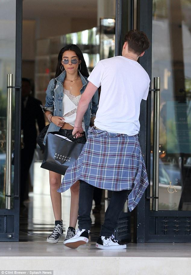 Brooklyn Beckham xác nhận hẹn hò Madison Beer và đã giới thiệu bạn gái mới với Victoria - Ảnh 3.