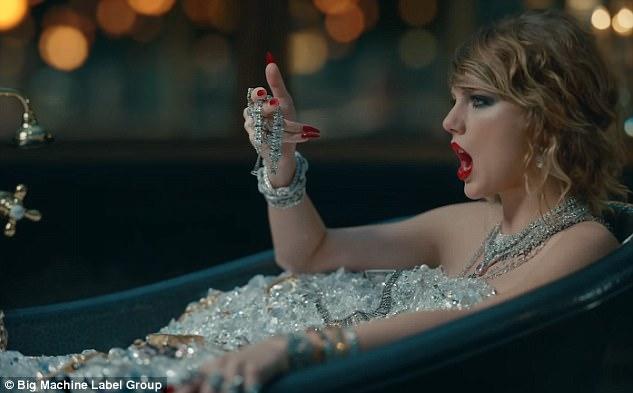 Bị xỉa xói trong MV LWYMMD, Kanye liền diện áo in khẩu hiệu to đùng để chế giễu lại Taylor Swift? - Ảnh 3.