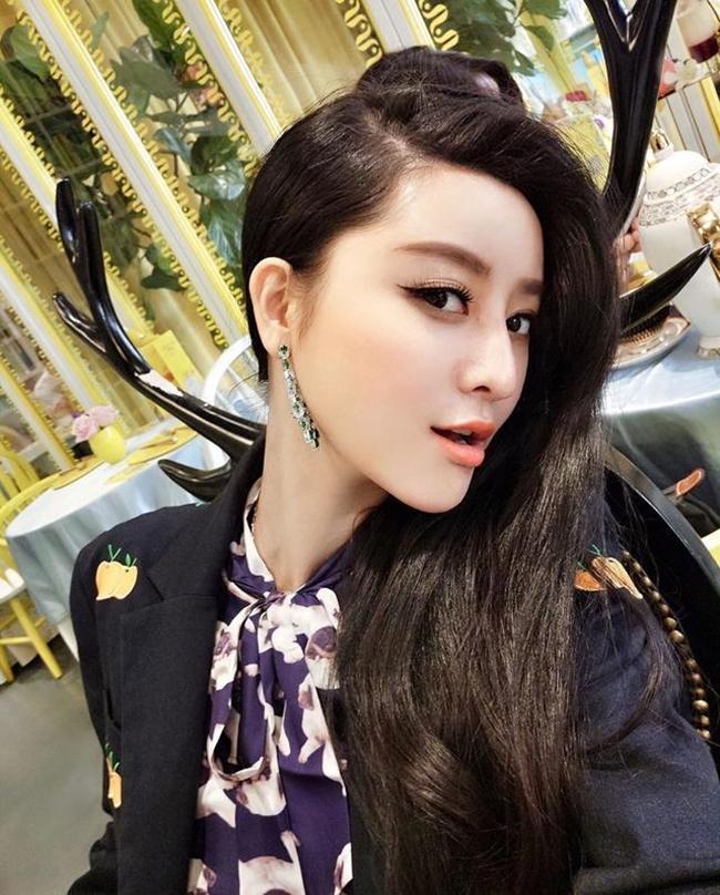 Cô gái mất 8 năm phẫu thuật giống Phạm Băng Băng rồi cưới luôn bác sĩ thẩm mỹ cho mình - Ảnh 6.