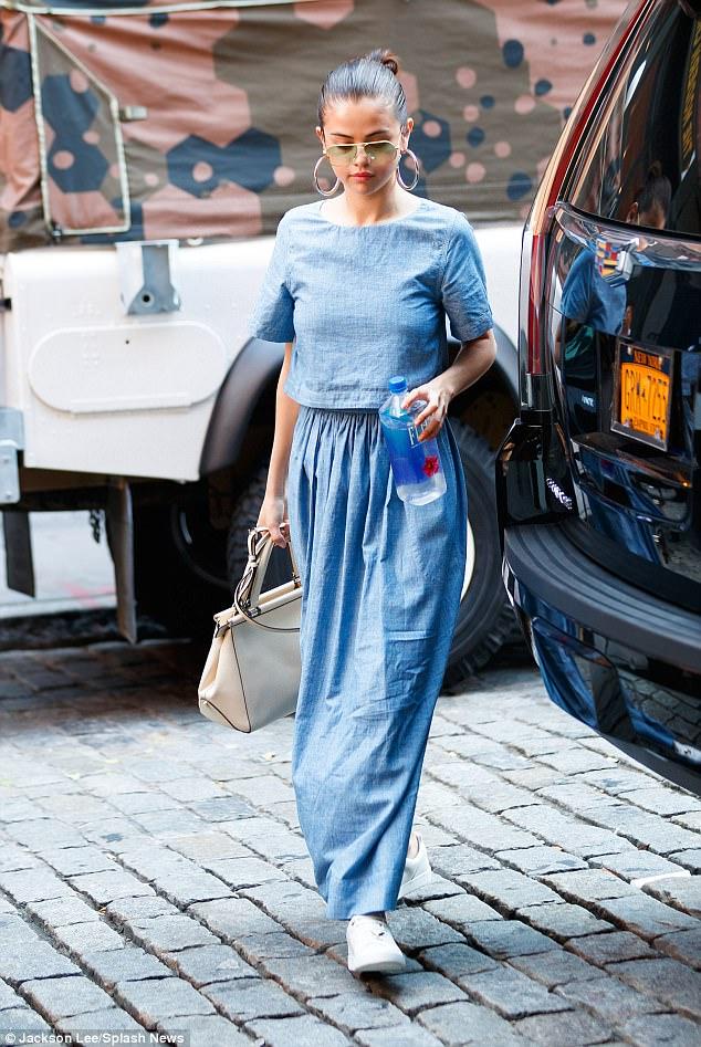 10 năm rồi, Selena Gomez vẫn không chịu già mà cứ trẻ mãi như thời công chúa Disney! - Ảnh 8.