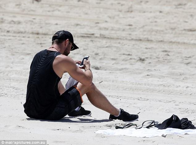 Thân hình đẹp như một vị thần, thảo nào Chris Hemsworth được chọn đóng vai Thor! - Ảnh 11.