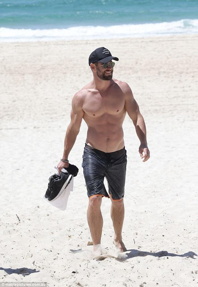 Thân hình đẹp như một vị thần, thảo nào Chris Hemsworth được chọn đóng vai Thor! - Ảnh 8.