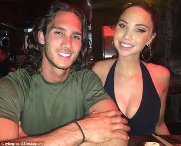 Con gái xinh đẹp của Michael Jackson bị bắt gặp thân mật bên anh chàng 6 múi siêu điển trai - Ảnh 4.