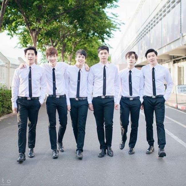Dàn trai đẹp khiến các thiếu nữ phải xao xuyến trái tim của trường Đại học danh giá nhất Thái Lan - Ảnh 1.