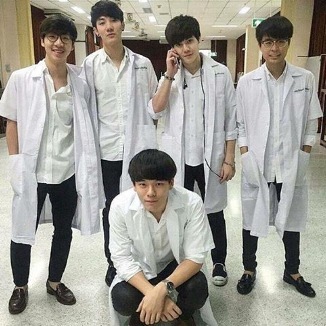 Dàn trai đẹp khiến các thiếu nữ phải xao xuyến trái tim của trường Đại học danh giá nhất Thái Lan - Ảnh 4.