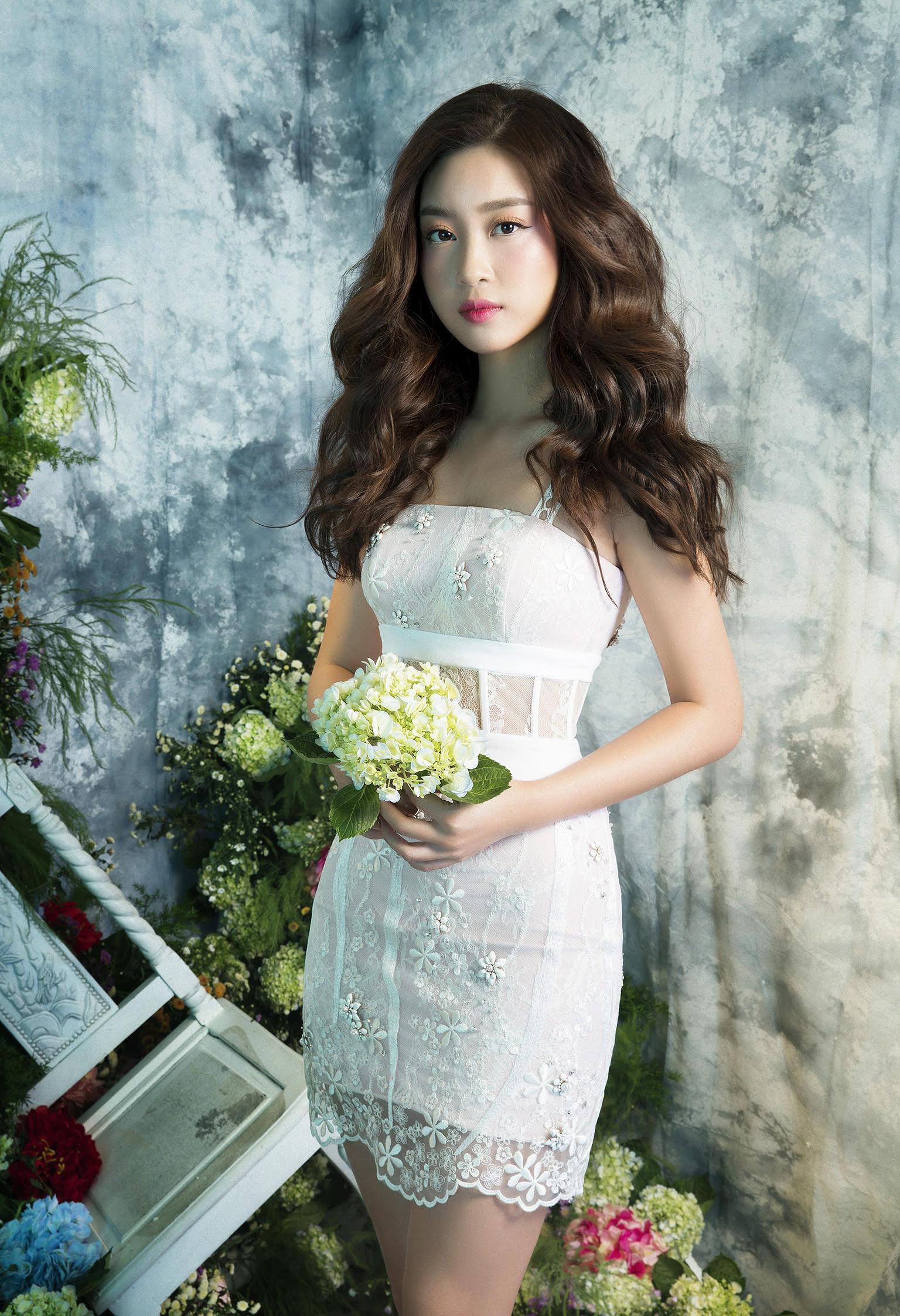 Hoa hậu Việt Nam 2016 Mỹ Linh ngày càng xinh đẹp và khoe vẻ gợi cảm