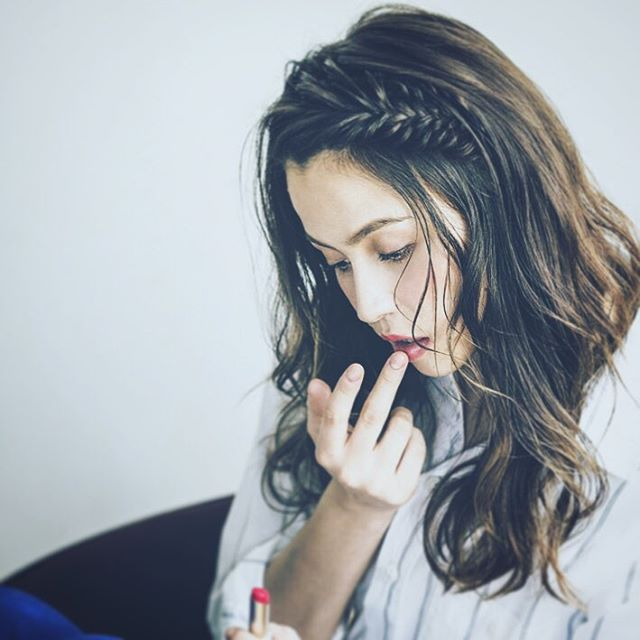 10 kiểu tóc xinh lung linh bạn có thể diện từ sáng tới tối mà vẫn đẹp dịp Tết - Ảnh 2.