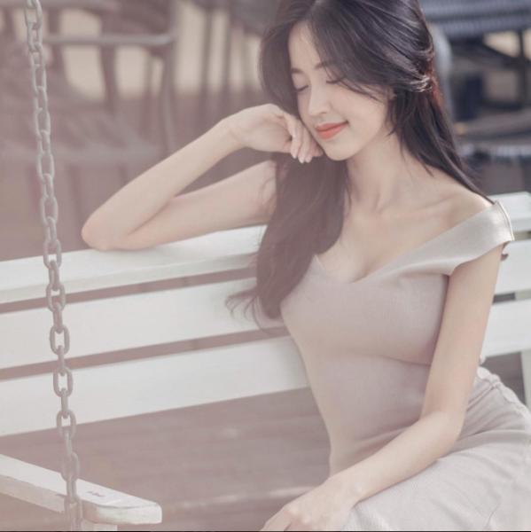 Vẻ sexy hết biết của cô nàng Thái Lan đốn tim dân mạng - Ảnh 3.