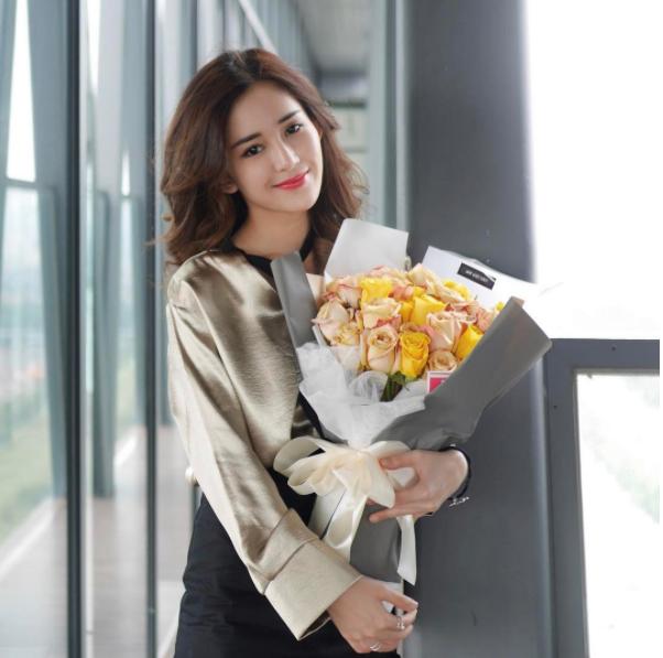 Hot girl số 1 Malaysia có khác, ăn gì mà mặt xinh - dáng chuẩn quá trời! - Ảnh 8.
