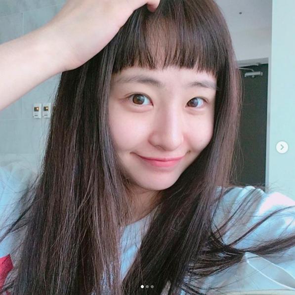 Để tóc Bok Joo, ảnh nào cũng cười híp hết cả mắt - ngắm cô bạn Hàn Quốc này thấy vui ghê! - Ảnh 3.