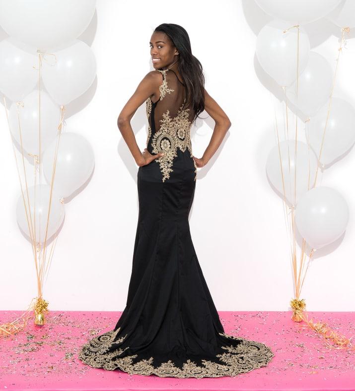 Thời Trang: Những cô gái này đặt mua váy dạ hội giá chỉ vài trăm nghìn trên Amazon và đây là kết quả bất ngờ