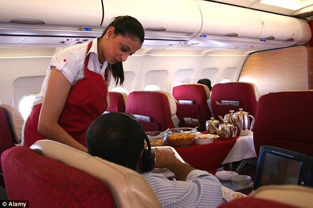 Đây là 10 điều các tiếp viên hàng không cực kỳ ghét ở hành khách đi máy bay - Ảnh 5.