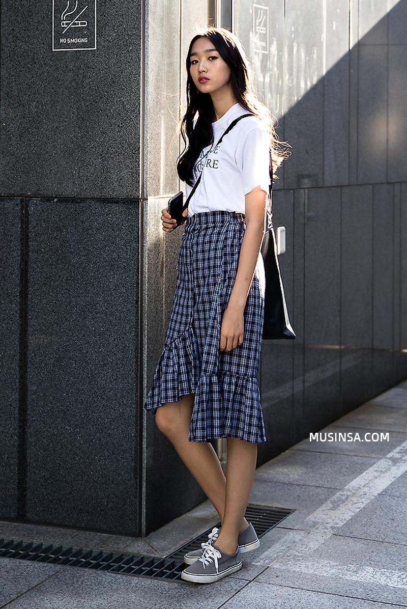 Thời trang: Nhìn giới trẻ Hàn ồ ạt diện sweatshirt đẹp thế này sẽ khiến bạn mong trời lạnh thật nhanh