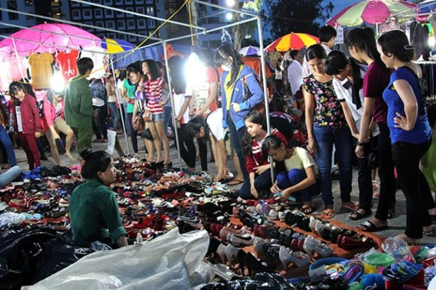 Chợ đêm làng đại học - nơi gắn bó kỷ niệm của một thế hệ sinh viên Sài Gòn sắp đóng cửa - Ảnh 3.