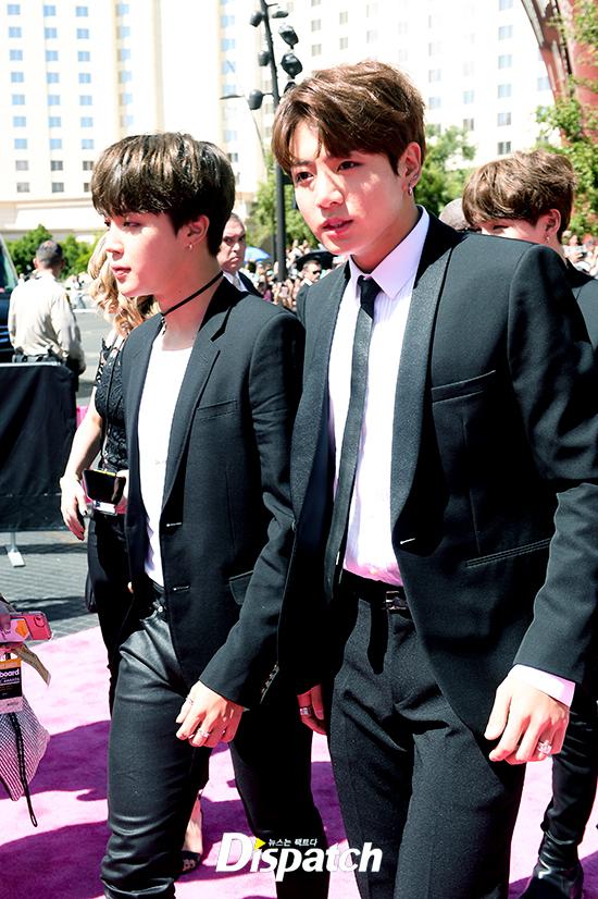 BTS cuối cùng đã trở thành nhóm nhạc Kpop đầu tiên thắng giải tại Billboard Music Awards! - Ảnh 9.
