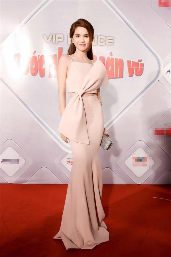 Đỗ Long - NTK ruột của Ngọc Trinh lần đầu lên sàn Vietnam International Fashion Week - Ảnh 10.