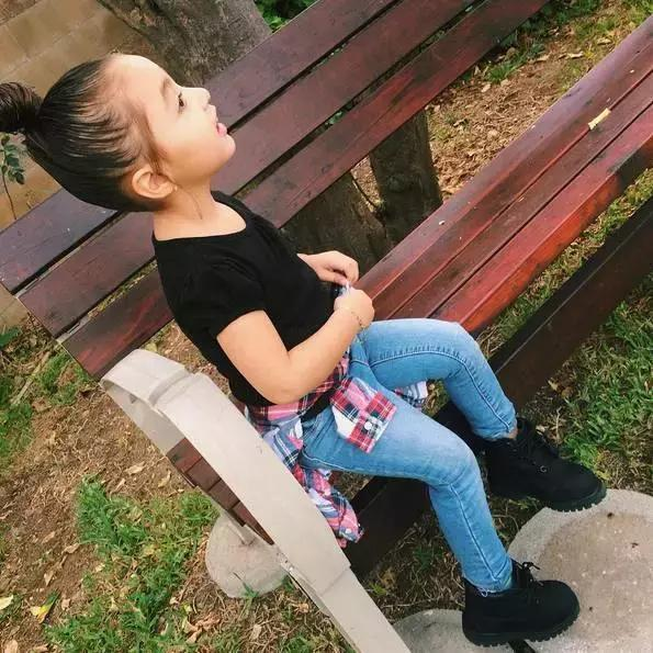 Mới 4 tuổi, cô nhóc này đã sở hữu hàng chục đôi sneakers đình đám khiến người lớn phải kiêng dè - Ảnh 7.