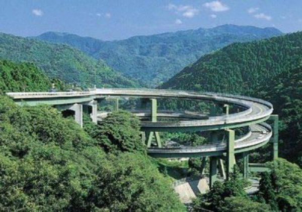 Không phải photoshop đâu, đây chính là công trình giao thông thứ thiệt tại Nhật Bản đấy - Ảnh 6.