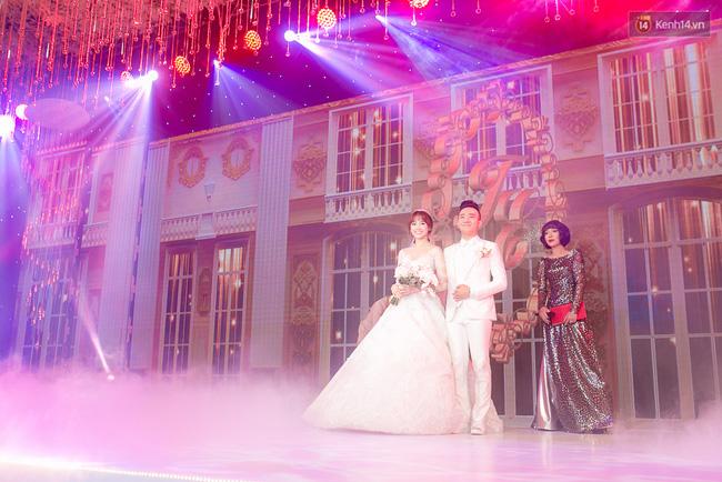Điểm lại những đám cưới xa hoa, đình đám trong showbiz Việt khiến công chúng suýt xoa - Ảnh 12.