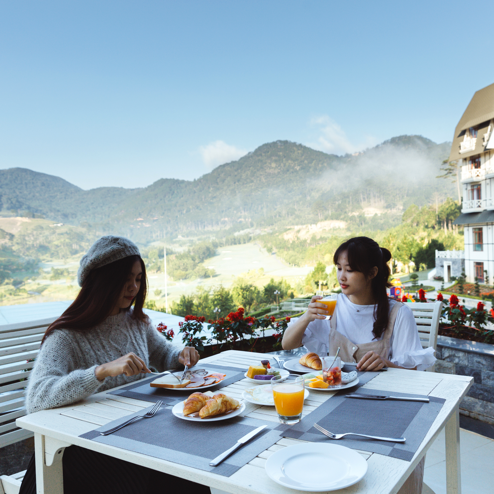 """Check-in khu nghỉ dưỡng có hồ bơi ngắm đồi núi sống ảo """"hot"""" nhất Đà Lạt - Ảnh 12."""