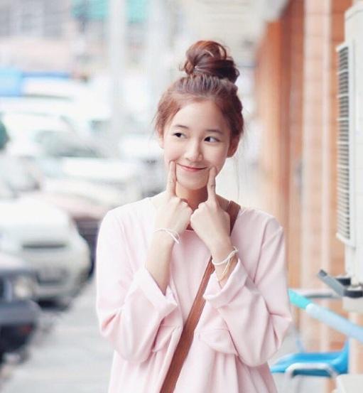 Nữ sinh Thái Lan nổi tiếng vì có gương mặt giống Yoona (SNSD) - ảnh 4